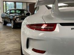 2015_Porsche_911_GT334