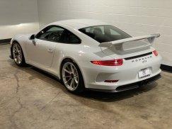 2015_Porsche_911_GT34