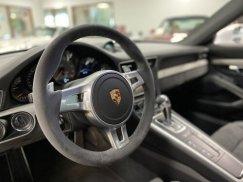 2015_Porsche_911_GT342