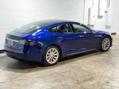 2016-Tesla-Model-S-75D_11