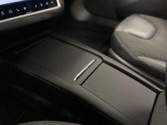 2016-Tesla-Model-S-75D_37