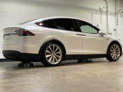 2016_Tesla_Model_X_P90D10