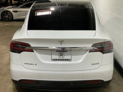 2016_Tesla_Model_X_P90D12