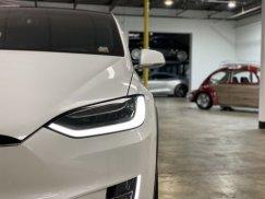 2016_Tesla_Model_X_P90D18