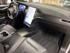 2016_Tesla_Model_X_P90D27