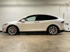 2016_Tesla_Model_X_P90D3