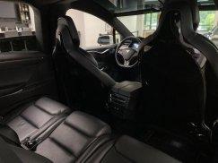 2016_Tesla_Model_X_P90D36