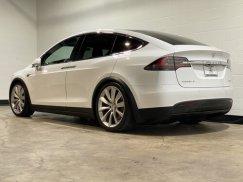 2016_Tesla_Model_X_P90D5