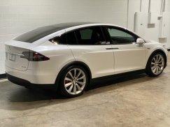 2016_Tesla_Model_X_P90D9