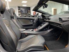 2017-Lamborghini-Huracan-Spyder38