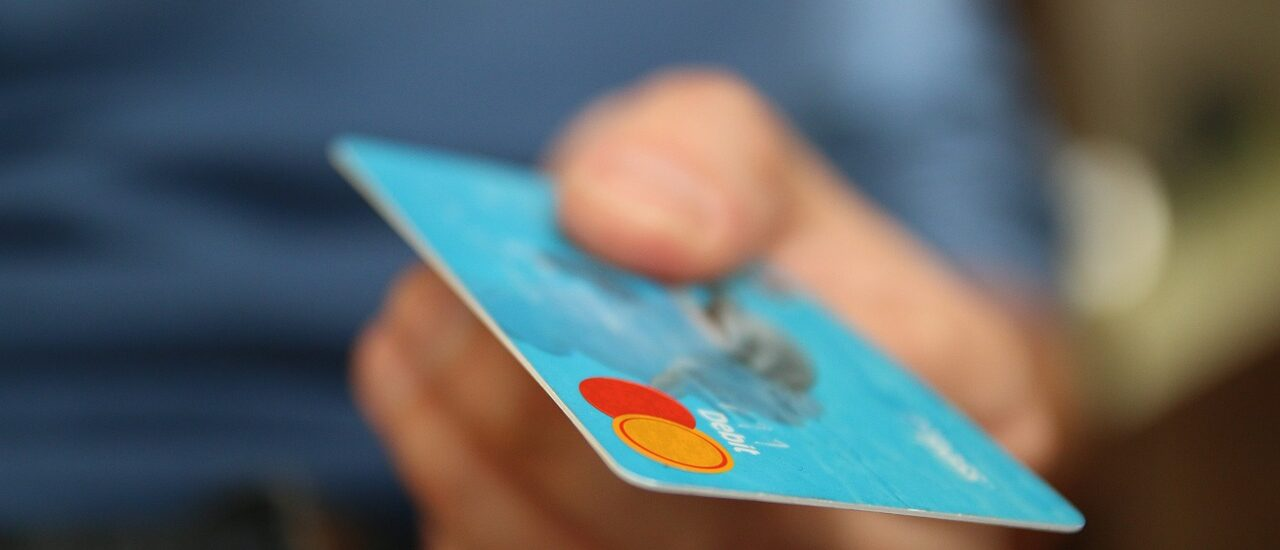 How to Avoid Getting Faked Out by Online Scams