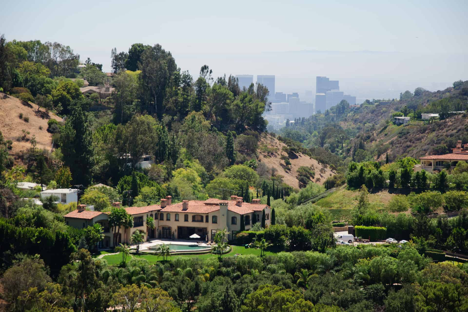 Celebrity Homes - Hollywood Bus Tours - Hollywood Sightseeing Tours