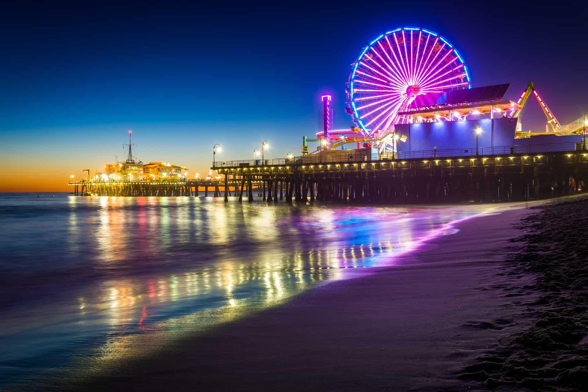 Hollywood Bus Tours - Santa Monica Pier