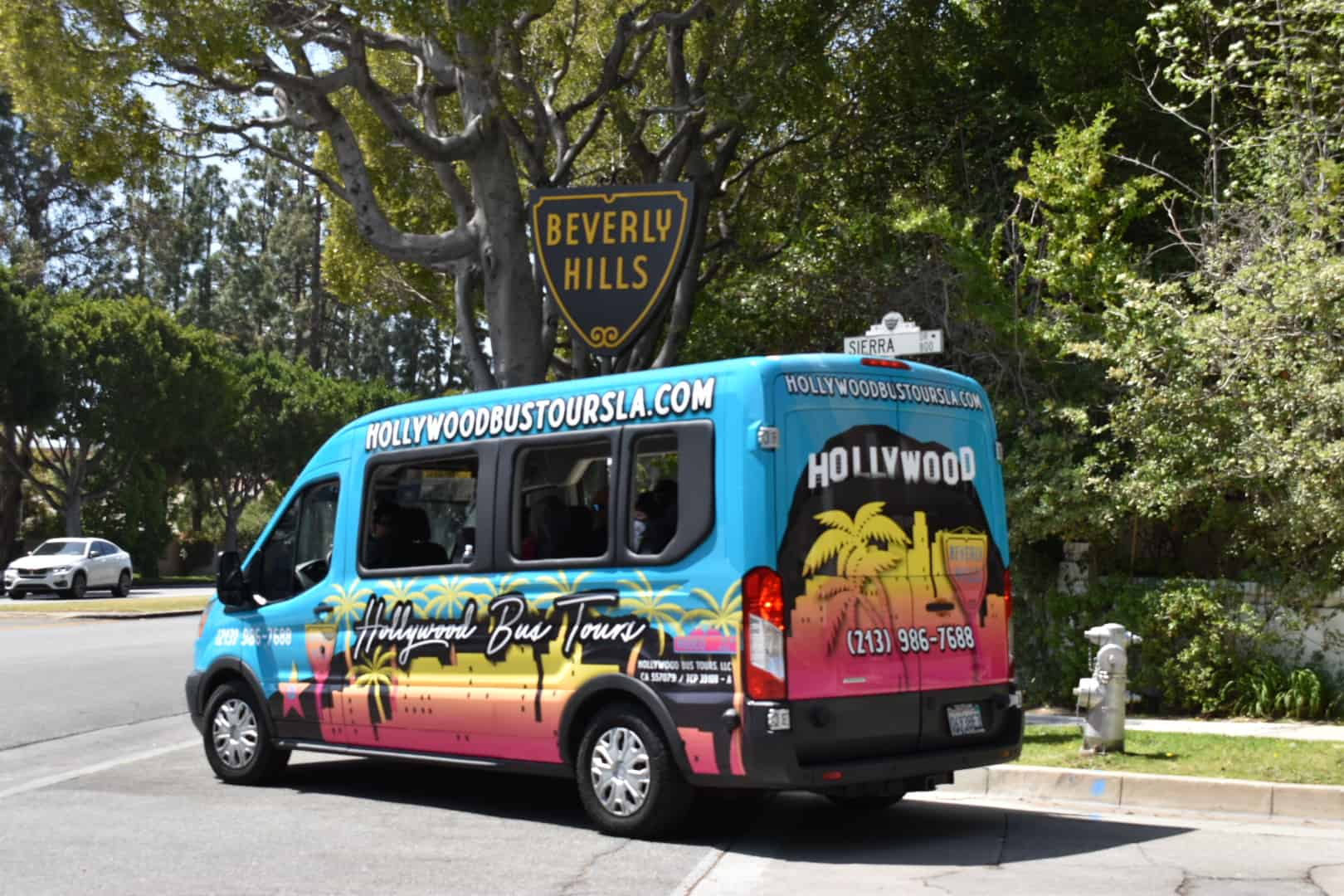 Hollywood Bus Tours - Beverly Hills Sign