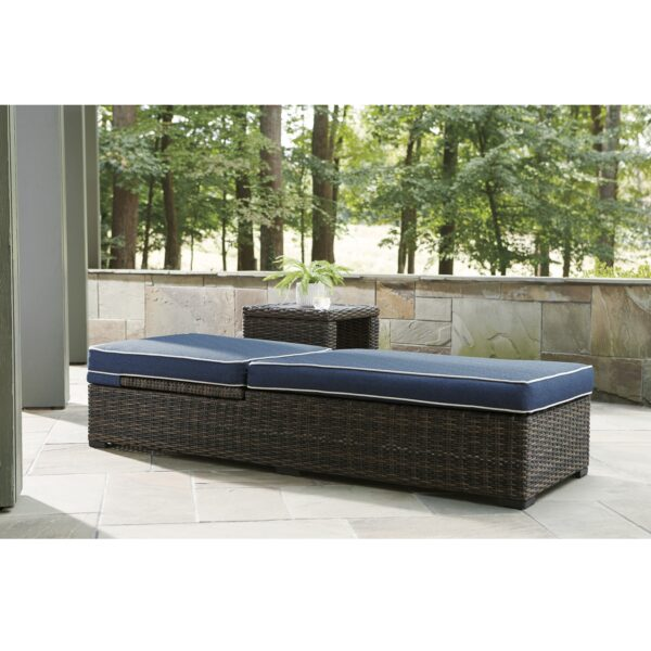 Grasson Lane Outdoor Chaise Lounge (Room View)