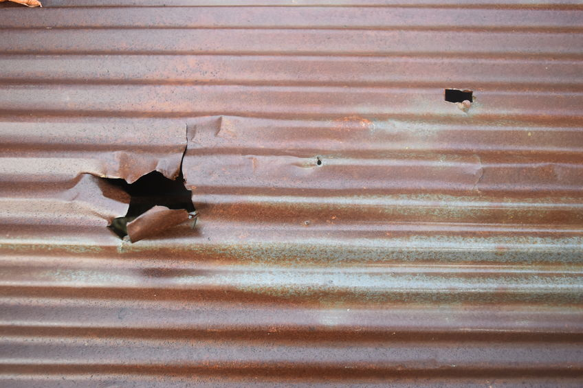 Who fixes damaged metal roofing in Rio Rancho
