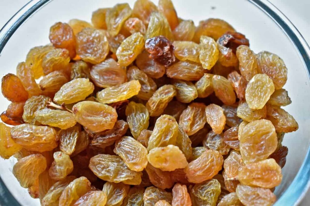 Know about 8 Nutritional Facts of Kismis (Raisin)