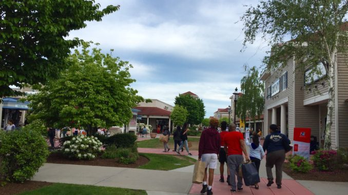Wrentham Village Premium Outlets Massachusetts