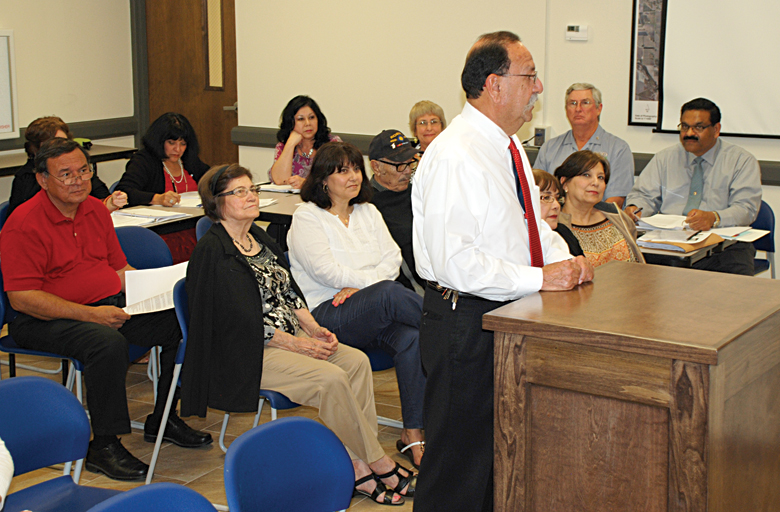 Newly elected Cameron County District Attorney Luis V. Saenz speaks to the La Feria City Commission. Photo: LFN