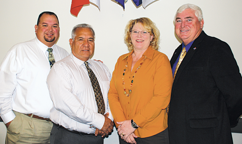 (l-r) La Feria Commissioner John Betancourt, John Hernandez, Mayor Pro-Tem Lori Weaver and Mayor Steve Brewer. Photo: MB Wright/LFN