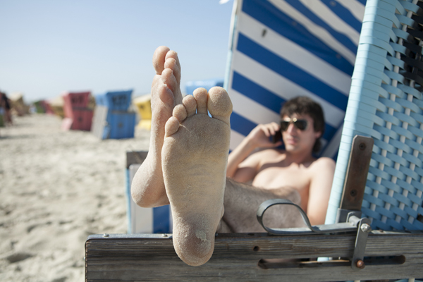 These tips could help you protect your cell phone during these last few days of summer. Photo: Bilderstoeckchen/Fotolia.com