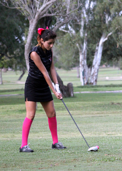 Daniela Robles prepares to tee off.