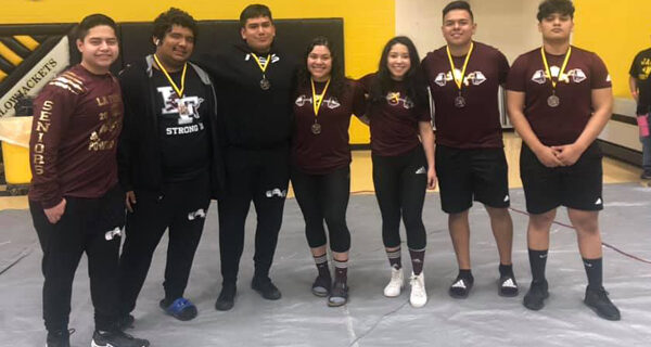 La Feria powerlifting teams raise the bar at E-E meet