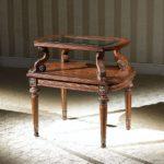 LV-634 CORNER TABLE    (31xW21xH28)