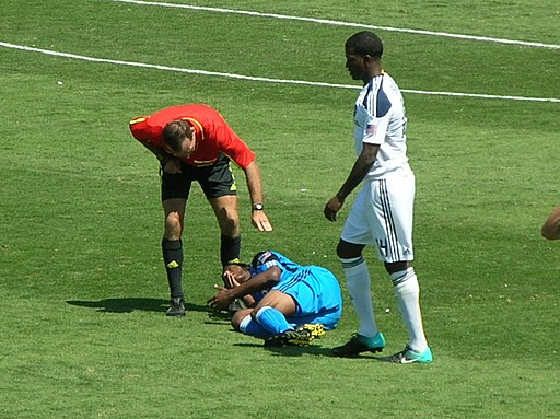 Injury at Galaxy at Earthquakes 2010 08 21 2