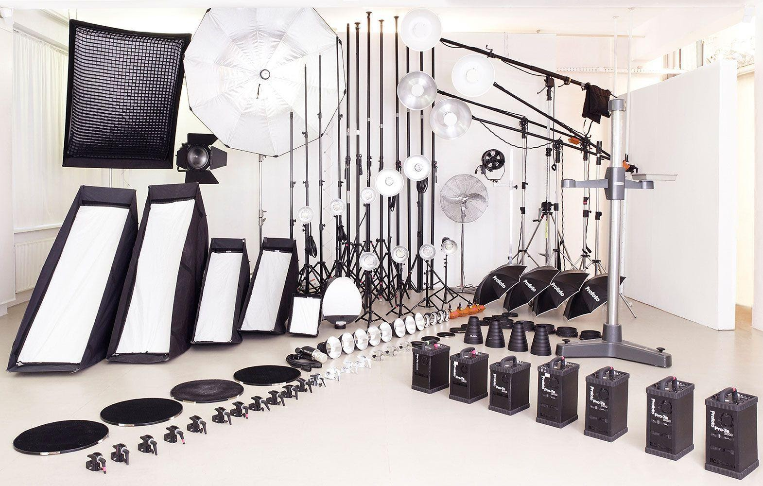 How to Equip a Professional Photography Studio?