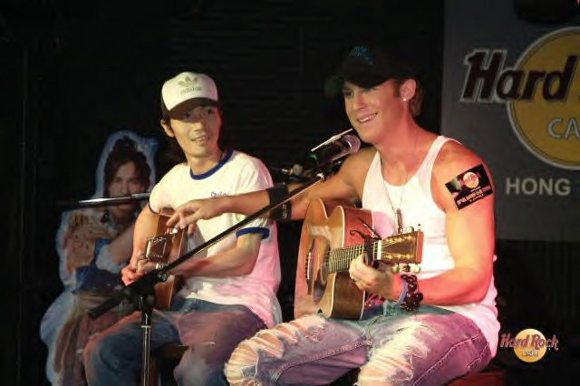 Jonny Blu Hong Kong Hard Rock Cafe