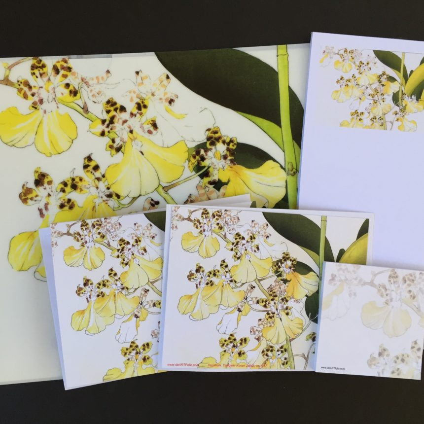 everyone loves orchids. we used the Japanese master, Konan's woodblock print of orchids on the letter-sized folder, two folded cards, a note pad and matching sticky pad. am orchid lovers' delight.