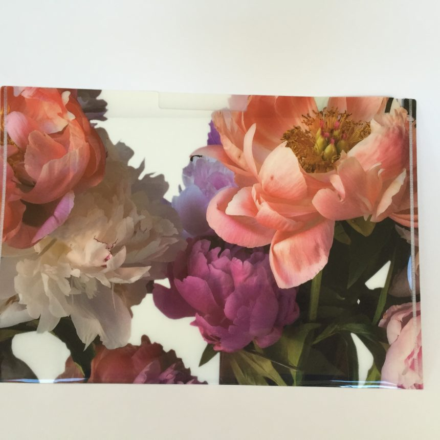 This letter-sized pocket folder w the outrageously beautiful peony image captured by Dr. Porter is slightly larger than the standard letter-sized/A4 folder, designed to safeguard more material, thicker documents and multiple items. There is also an indented area where one can label the contents. Perfect for travel itineary, keepsakes, and documents. Taking one of these folders to a conference will surely enhance your presence.