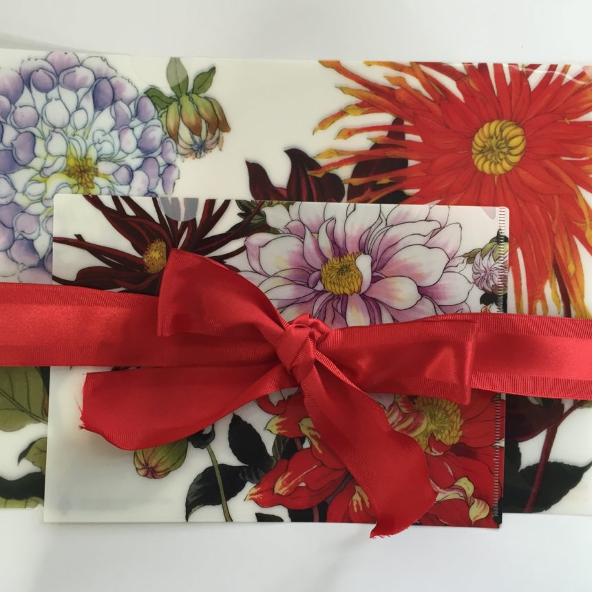 stunning dahlia Japanese woodblock print of dahlia gift pack with one letter-sized and one half-letter sized folder makes a perfect hostess or teacher's gift