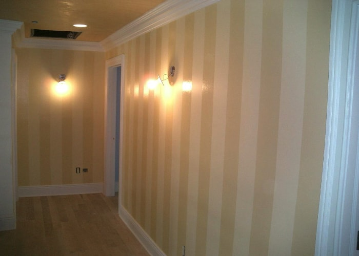 venetian plaster striped walls-min