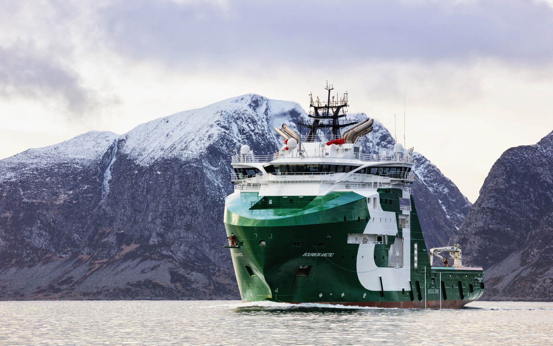 bourbon-arctic-port-ahts-vessel-offshore-supply-ship