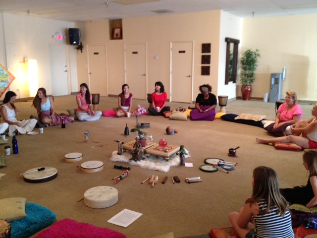 Laya Womens Circle 7 19 13