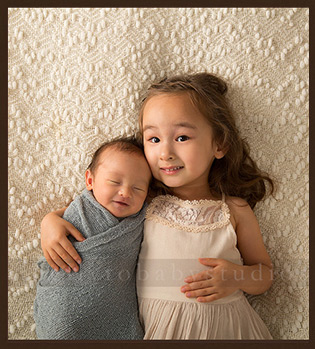 Houston Newborn and Family Photographer