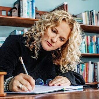 PattiHall-1124_Patti-M-Hall_Book-Coach-Memoir-Writer