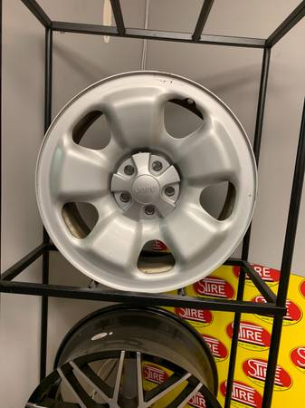 17x7 Jeep Cherokee Used Factory Rim BP 5x110 (5NA92TRMAB)