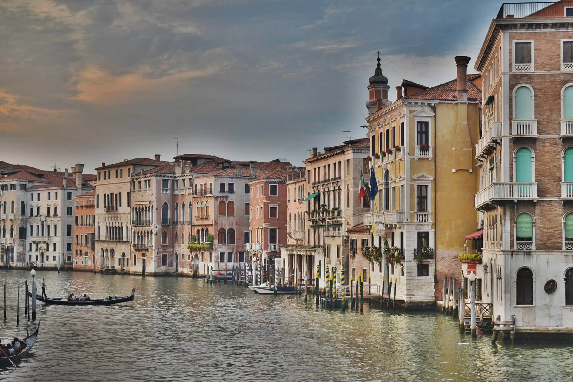 grand-canal-1246629_1920
