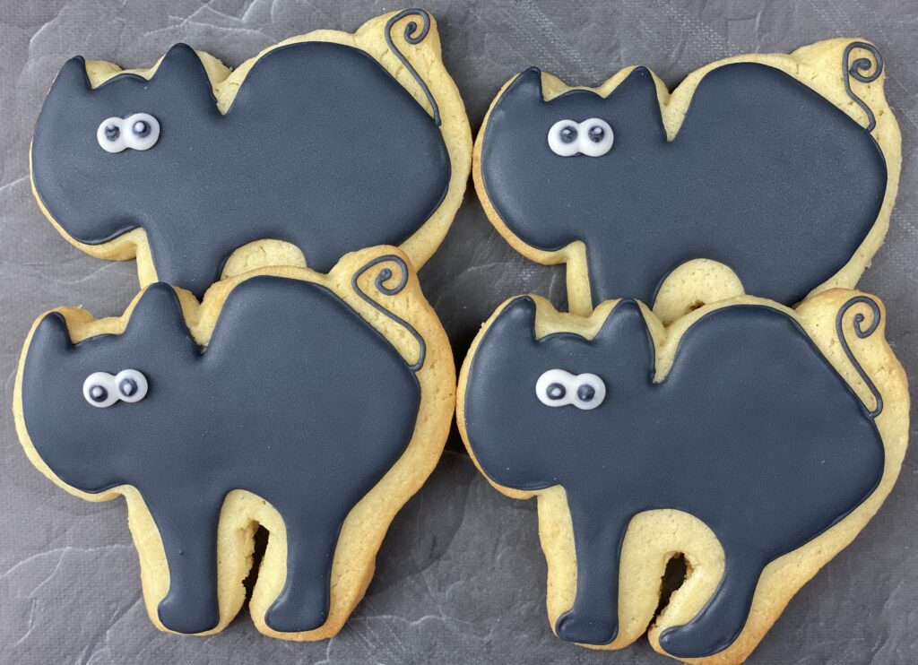 Cats for Halloween Pumpkins, Bats and Cats Cookies