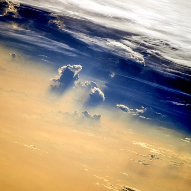 """Fotografia da série """"Evening Clouds"""", de Oleg Artemyev."""