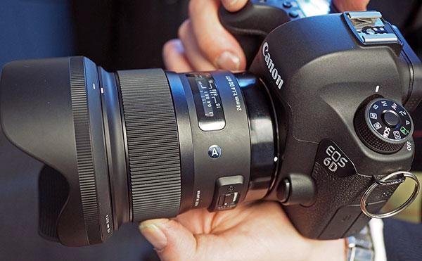 A lente Sigma-24mm-Art em uma Canon EOS 6D.