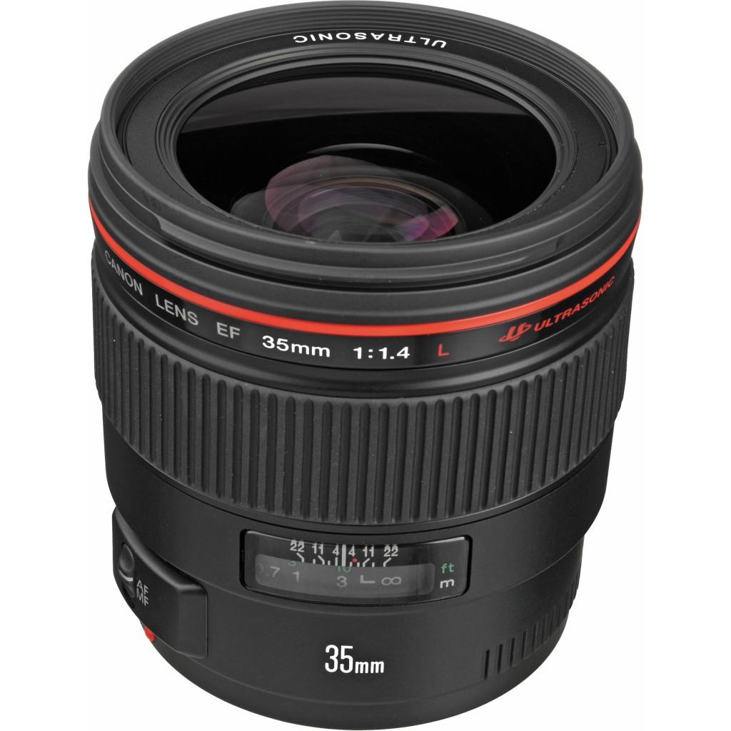 A atual lente de 35mm f/1.4 da Canon. | Foto: BH Photo Video