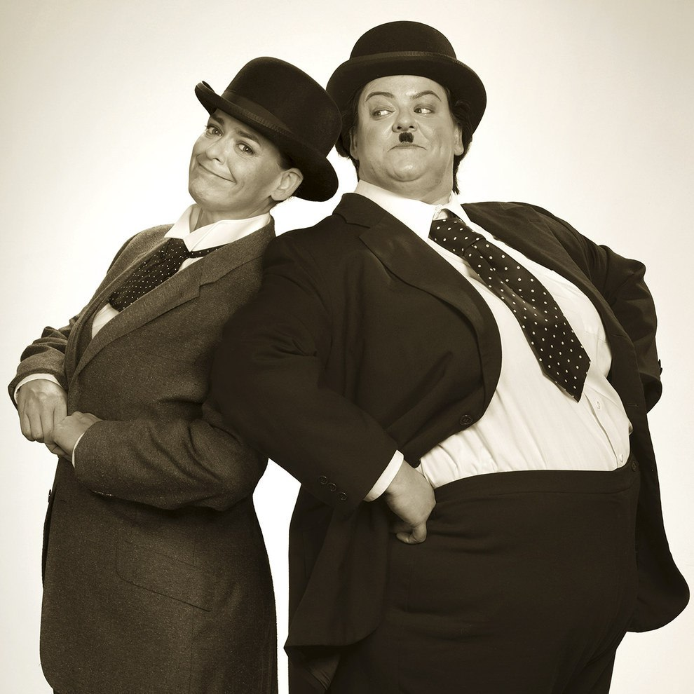 Beth como a dupla de comediantes O Gordo e o Magro. | Foto: Blake Morrow