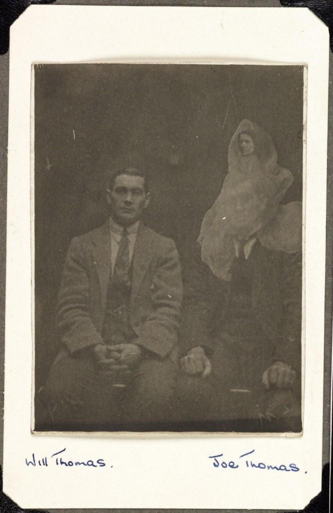 iPhotoChannel-as-bizarras-fotos-de-espiritos-do-comeo-dos-anos-1900-213-1434464900