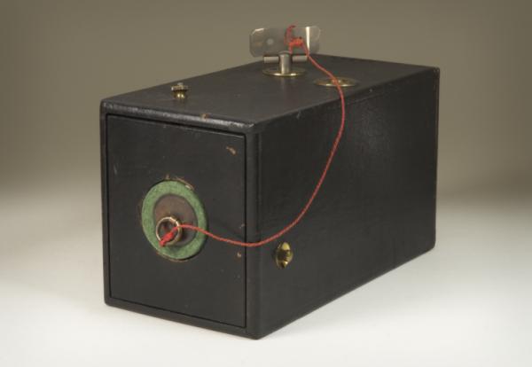 A primeira câmera amadora Kodak Nº1