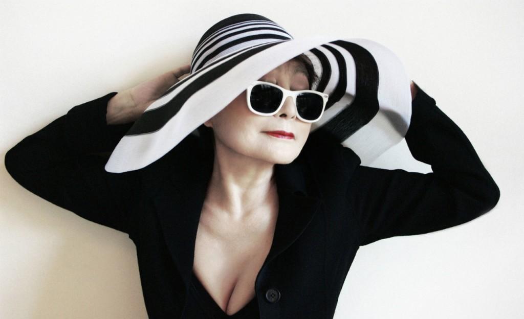 A artista plástica Yoko Ono
