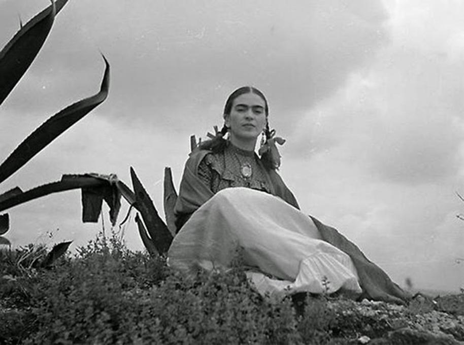 Frida Kahlo com 22 anos em 1930